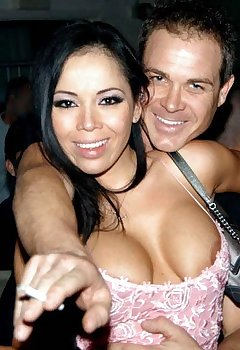 Nightclub Tits Voyeur Pics