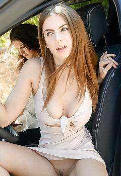 Babe Tits Voyeur Pics